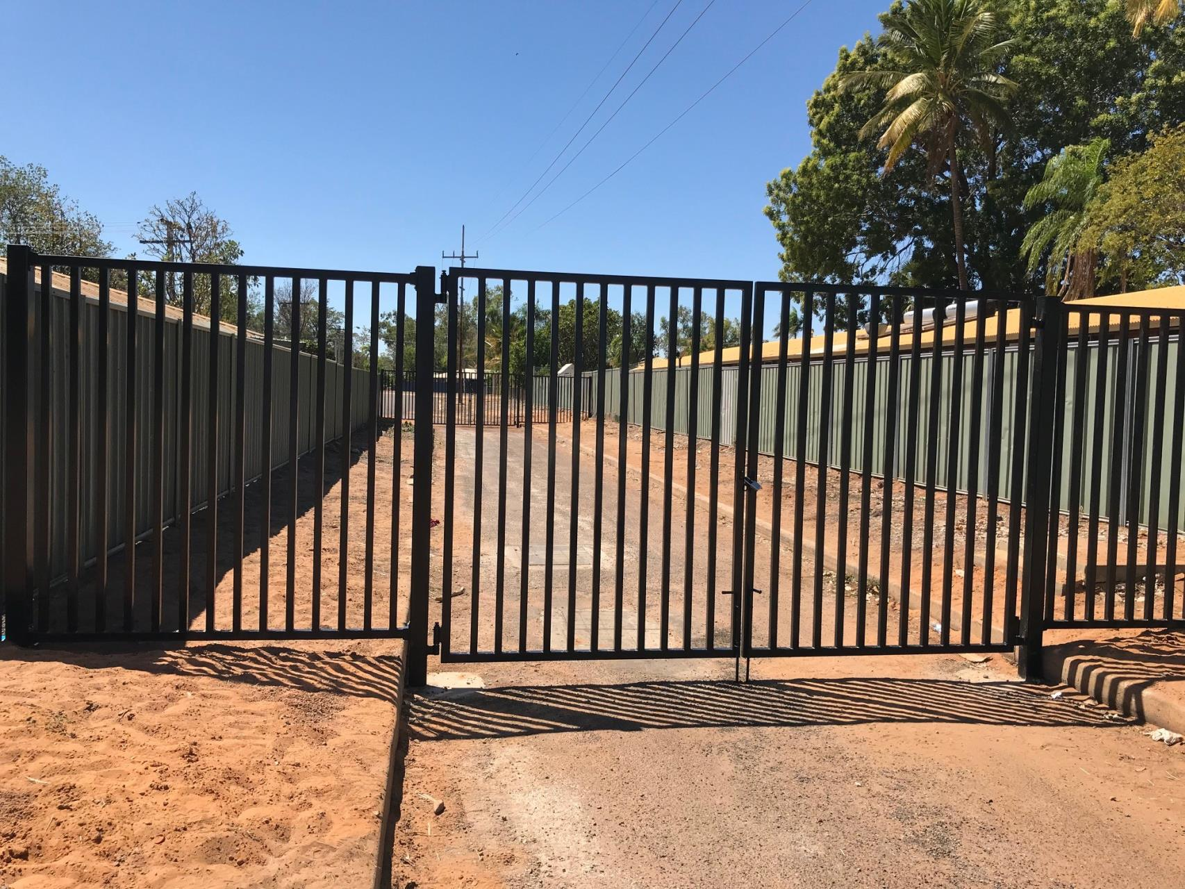 Fencing Installed on Beefwood St